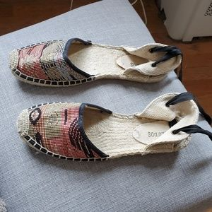 Soludos pattern lace up espadrilles